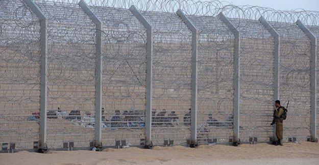 Netanyahu: 'Yaratıklardan korunmak için' İsrail'i çitle çeviriyoruz