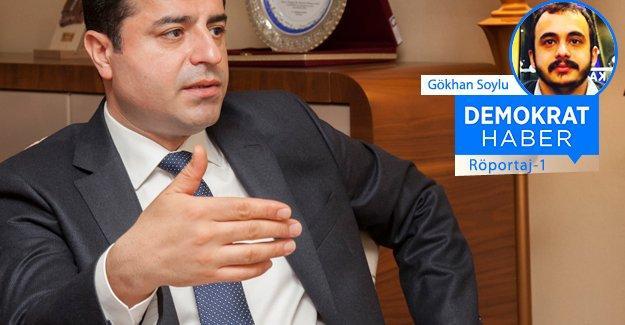 Selahattin Demirtaş: Gençler, barış dediğimiz zaman hakaret etmişiz gibi bakıyor!
