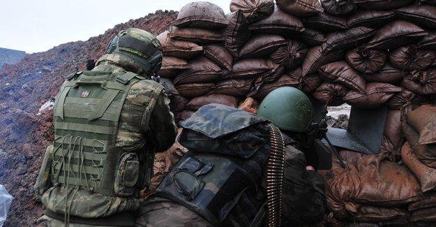 Sur'da 2 asker ve 1 polis yaşamını yitirdi