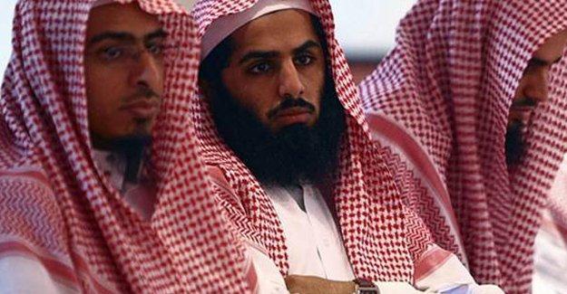 Suudi Arabistan'da ateist tweetlere 10 yıl hapis 2 bin kırbaç