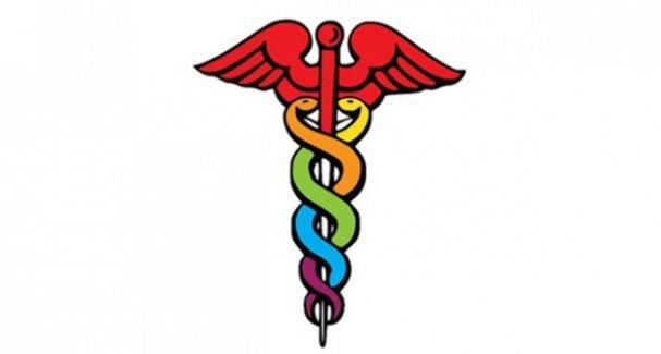 Trans hastayı tedavi etmeyen doktora ceza
