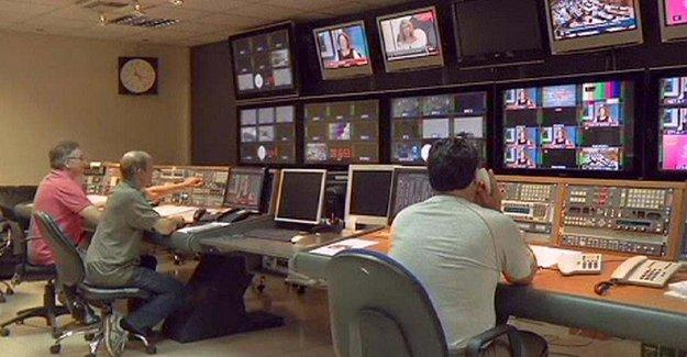 Yunan devlet televizyonu basıldı