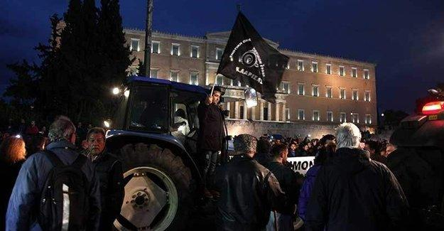 Yunanistan'da çiftçilerden tarihi eylem