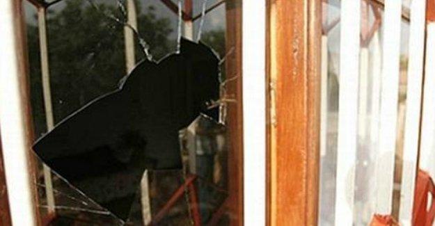Alevi mahallesini taşlayanlara para cezası, mağdur aileye hapis