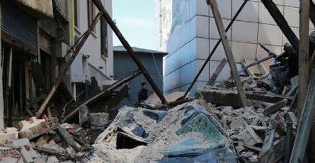 Beyoğlu'nda yine bir bina çöktü
