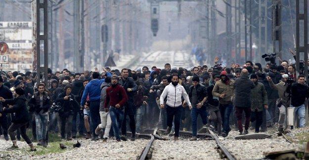 BM: Sığınmacıların topluca Türkiye'ye gönderilmesinden endişe duyuyoruz