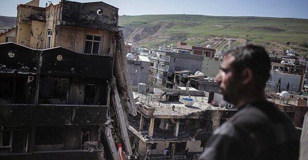 """Financial Times'ın Cizre izlenimleri: """"Şimdi PKK'ye, tarihte hiç olmadığı kadar katılım var"""""""