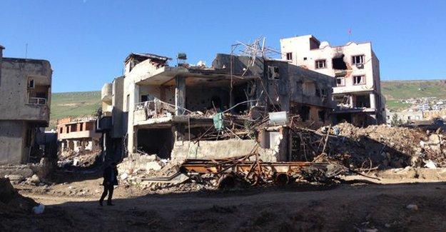 Cizre'de patlama: 1'i çocuk 2 kişi yaralandı