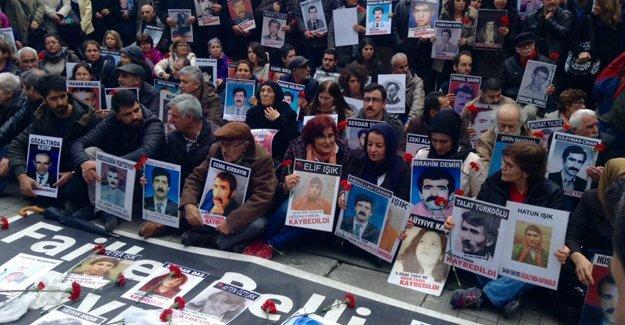 Cumartesi Anneleri: Gözaltında kaybedilen kadınları unutmadık!