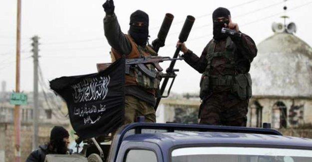 'El Nusra, Suriye'de muhalif grubun üssünü ele geçirdi'