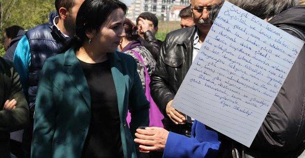 Figen Yüksekdağ'dan tutuklu akademisyen Esra Mungan'a mektup