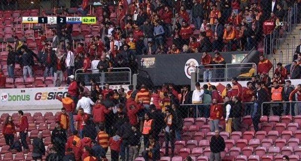 Galatasaray taraftarı isyan etti