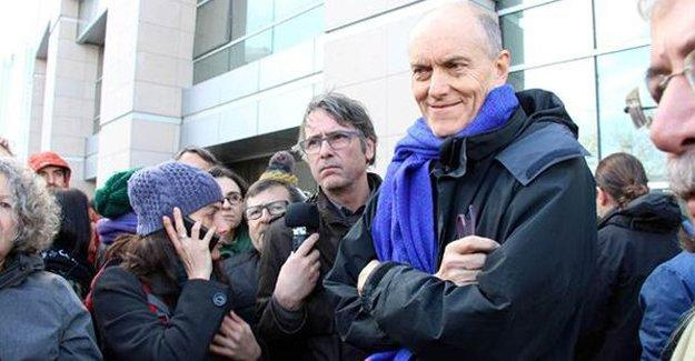 İngiliz akademisyen sınır dışı edildi