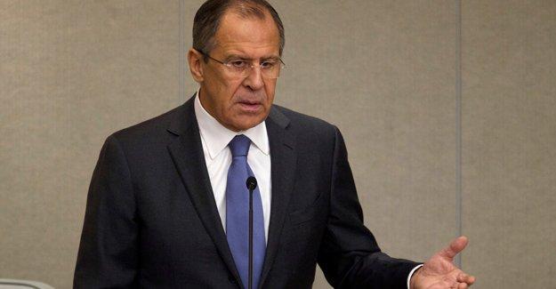 Lavrov: Türkiye 'teröre karşı savaş'ı Kürtleri sindirmek için kullanıyor