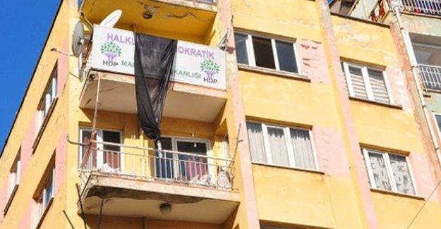 Manisa HDP İl Eş Başkanları gözaltına alındı