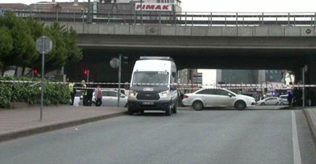 Mecidiyeköy'de bir minibüste bomba araması
