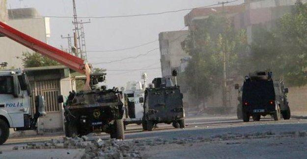 Nusaybin'de zırhlı araca saldırı