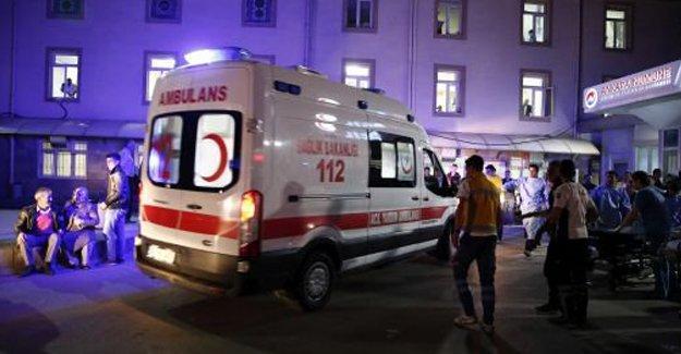 Sağlık Bakanlığı: 10'u yoğun bakımda 34 yaralı hastanelerde