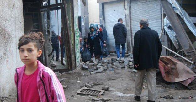 Sur'un çocukları 'deprem değil, savaş travması' yaşıyor