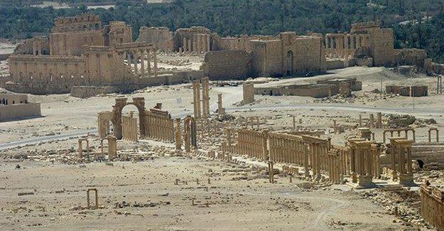 Suriye devlet televizyonu: Suriye ordusu Palmira'ya girdi