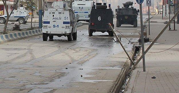 Yüksekova'da çatışma: 3 ölü 9 yaralı