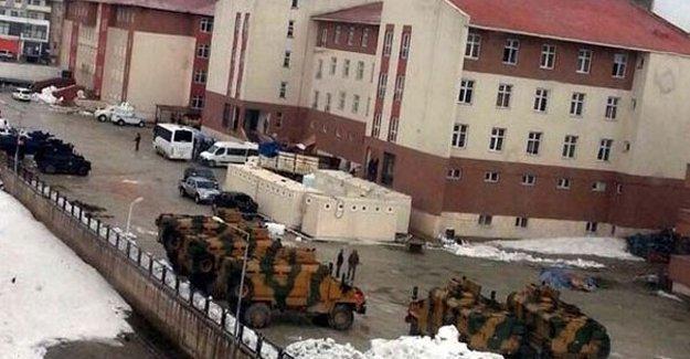Yüksekova'da öğretmenlere idari izin