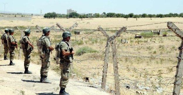 '100 asker Şeyh Maksud saldırısı için Türkiye'den Suriye'ye sokuldu' iddiası