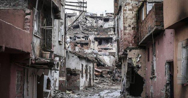"""Erdoğan, Sur'un yeniden inşasını da içeren """"Torba yasa""""yı onayladı"""
