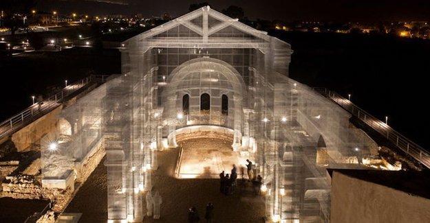 900 yıllık kilise tel örgülerle canlandırıldı