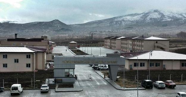 Amasya'da cezaevinin çatısı çöktü: 81 yaralı