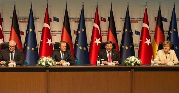 Antep'e gelen Merkel ile Davutoğlu'ndan ortak basın açıklaması