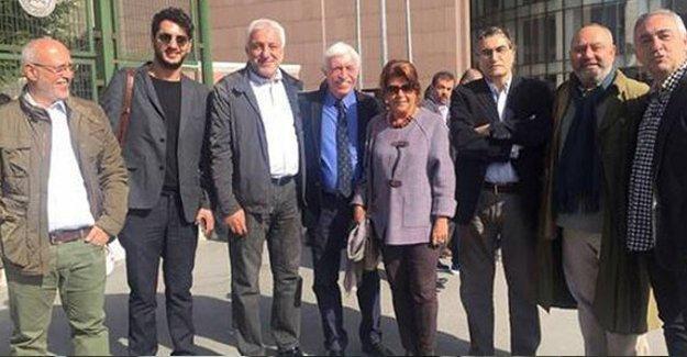 """Cengiz Çandar, """"Cumhurbaşkanı'na hakaret suçu anayasaya aykırı"""" dedi savunma yapmadı"""