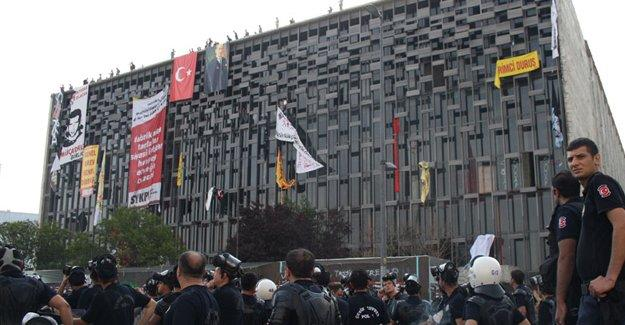 Davutoğlu'ndan AKM açıklaması