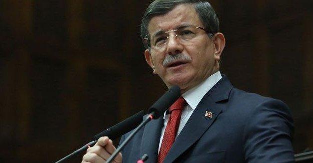 Davutoğlu: Yeni anayasayı demlenmeye bırakmak lazım