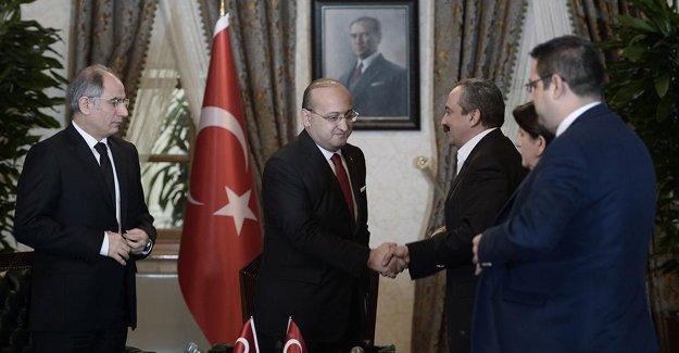 HDP'li Baluken'den Erdoğan'a 'Dolmabahçe' cevabı