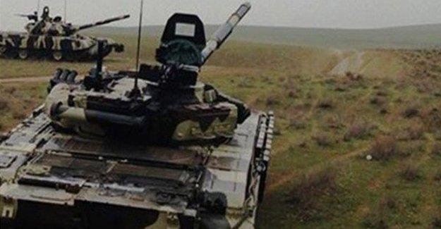 Karabağ'da çatışmalar sürüyor: üç asker öldü, beş tank imha edildi