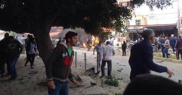 Lübnan'da Filistinli lider bombalı araç saldırısıyla öldürüldü