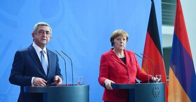 Merkel: Ermenistan-Türkiye ilişkileri canlandırılmalı