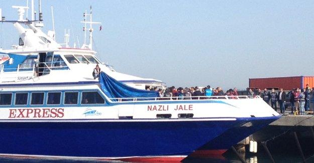 Mülteci iadesi: İlk grup Midilli adasından Dikili'ye ulaştı