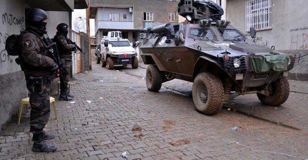 Van'da çatışma: 1 polis hayatını kaybetti