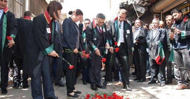 Türkan Elçi, Tahir Elçi'nin vurulduğu yerde
