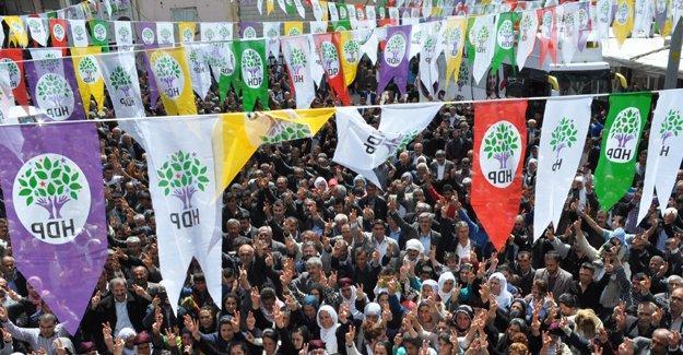 HDP'den 'dokunulmazlıklara' karşı 11 ilde halk buluşmaları
