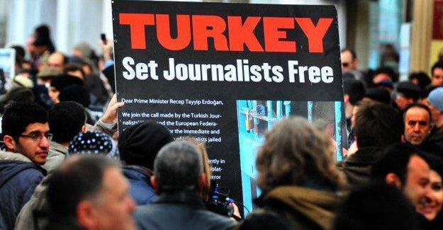 """""""Basın özgürlüğü, Türkiye-AB anlaşmasının şartlarından biri olmalı"""""""