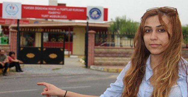 Ailesiyle Kürtçe konuştuğu için bursu kesildi, yurttan atıldı