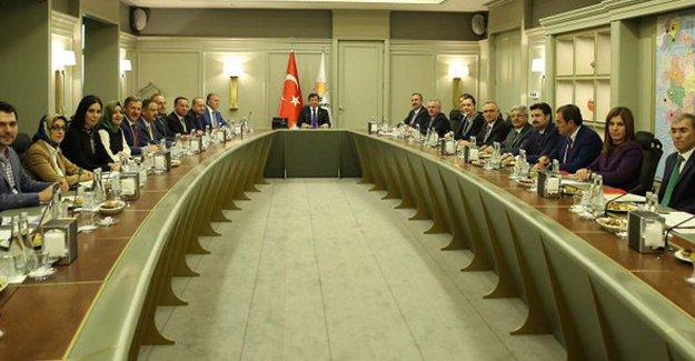 AKP'nin olağanüstü kongre tarihi belli oldu