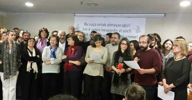 Barış bildirisinden imzasını çeken akademisyene ceza