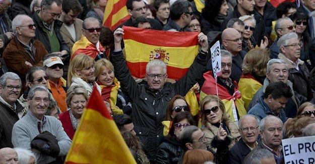 Bayrakları yasaklanan Katalanlar, maça İskoçya bayrağıyla katılacak
