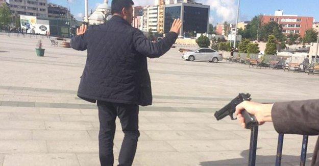 Can Dündar'a saldırıda gözaltına alınan 5 kişi adliyede