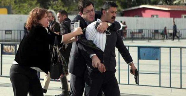 Can Dündar'a silahlı saldırıda istenen cezalar belli oldu
