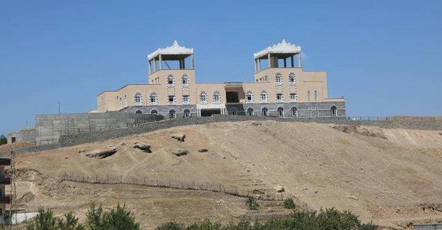 Cizre'de belediyeye ait kültür merkezi kamulaştırıldı